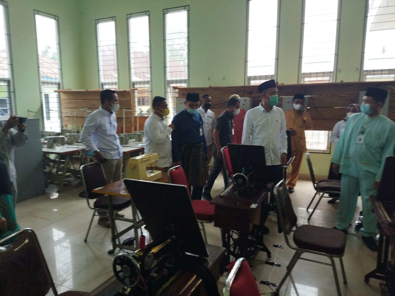 Siapkan Tenaga Terampil, Walikota Buka Pelatihan Produksi Kain Lap