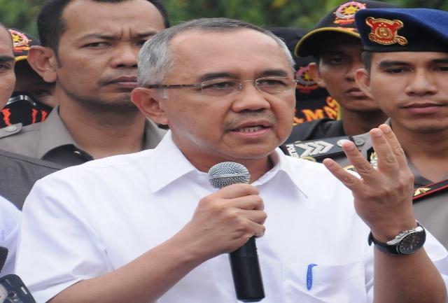 April, Prmprov Riau Gunakan Data Base Kepegawaian Berbasis IT
