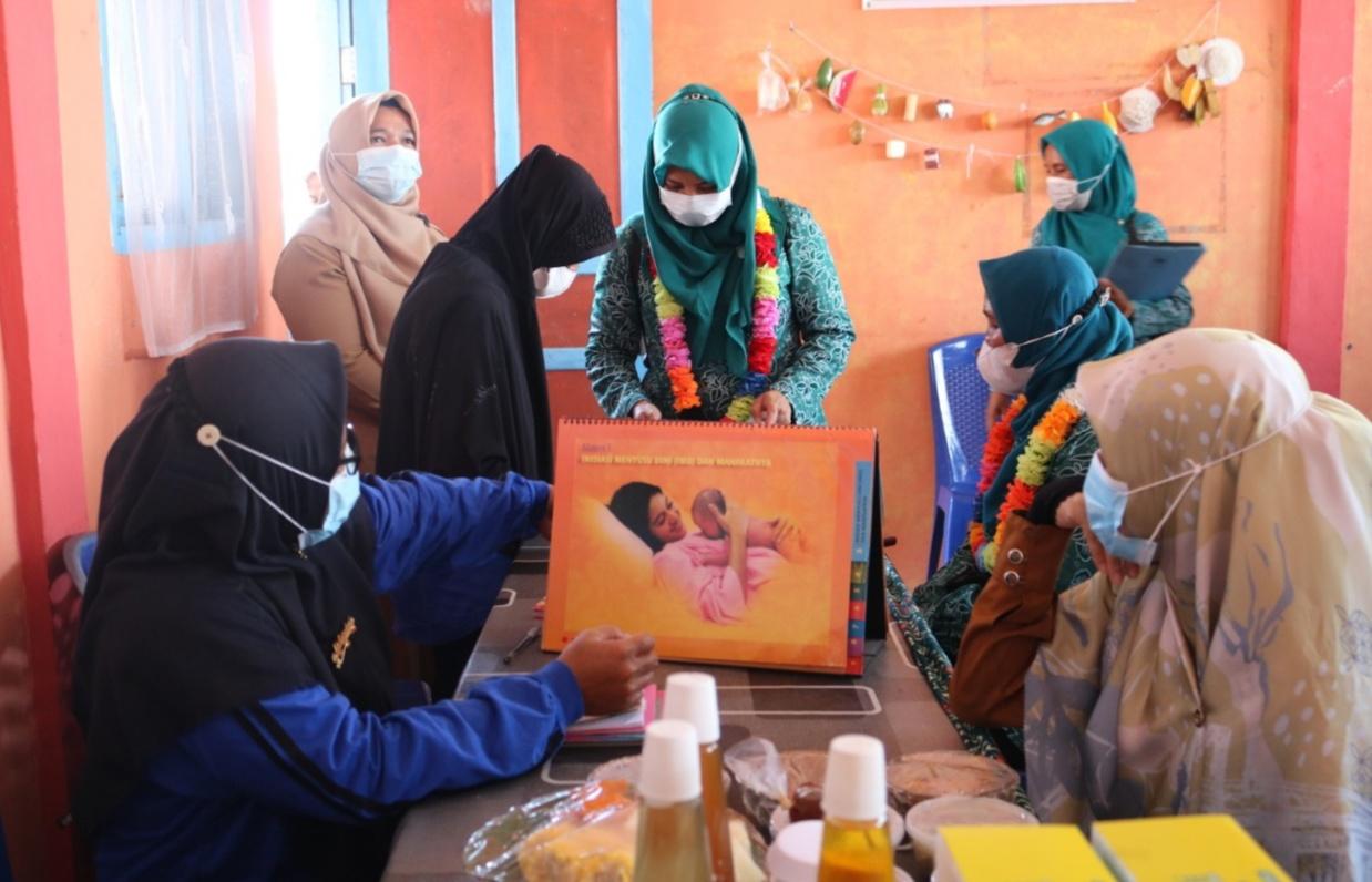 Tim PKK Rokan Hilir Kunjungi Posyandu Dahlia Sinaboi