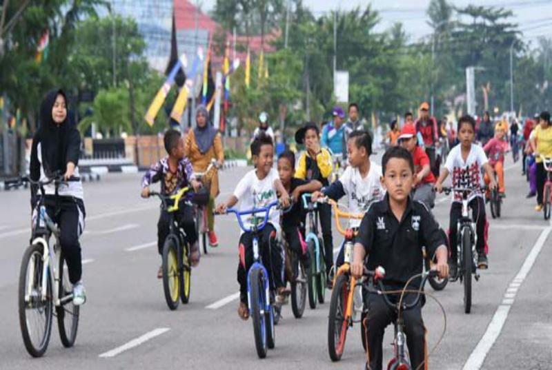 Dinas Koperasi Gelar Sepeda Santai Berhadiah