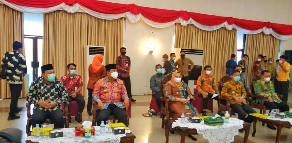 Bupati Rohil Afrizal Sintong Rapat Bersama Gubernur Bahas Blok Rokan