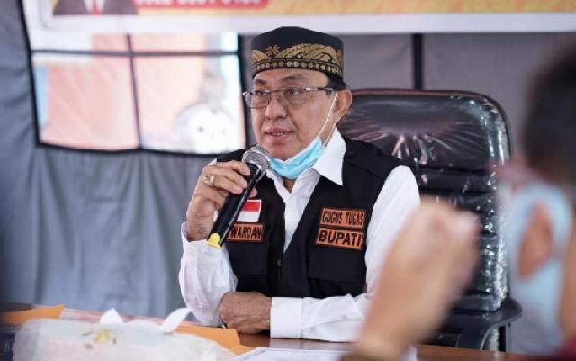 Bupati Serahkan Bantuan Perlengkapan Penanggulangan Bencana Karhutla kepada MPA