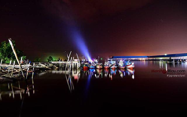 Suasana Malam Pelabuhan TPI Purnama - Dumai